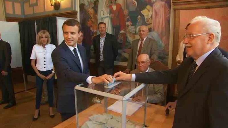 Emmanuel Macron vote au Touquet en 2017 - Photo capture BFMTV.